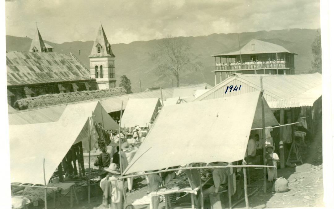 Plaza de Mercado de Huautla de Jiménez, Oax., 1941.