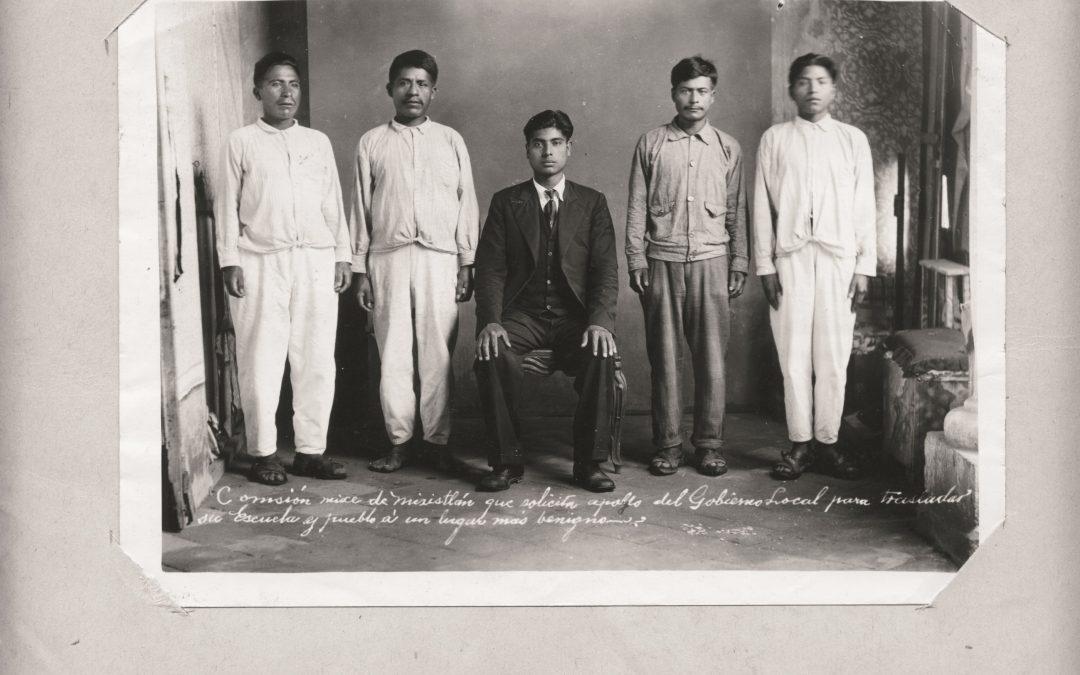 Comisión Mixe de Mixistlán que solicita apoyo del Gobierno Local para trasladar su escuela y pueblo a un lugar más benigno. 1937.